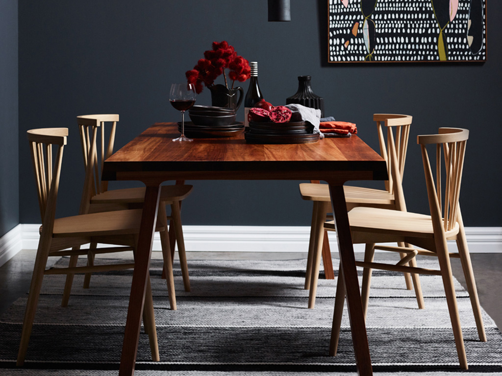 Kithe Winter Dining Table