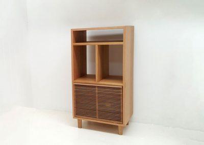 Kithe Tasmanian Oak vinyl stand