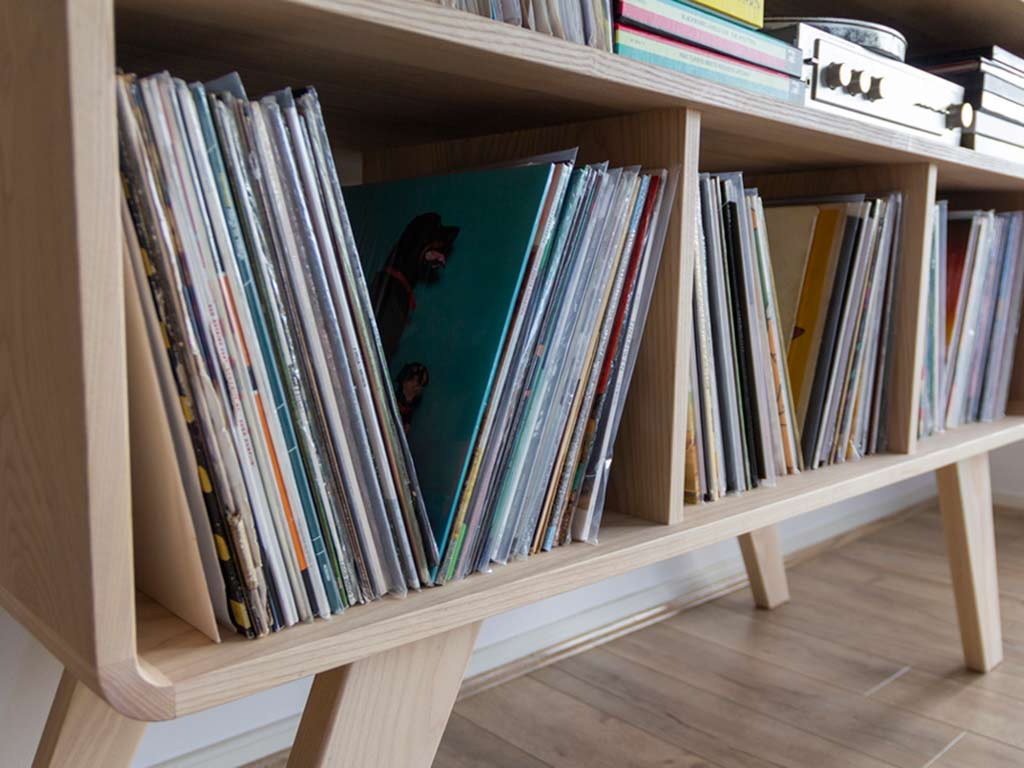 timber dj stand cabinet