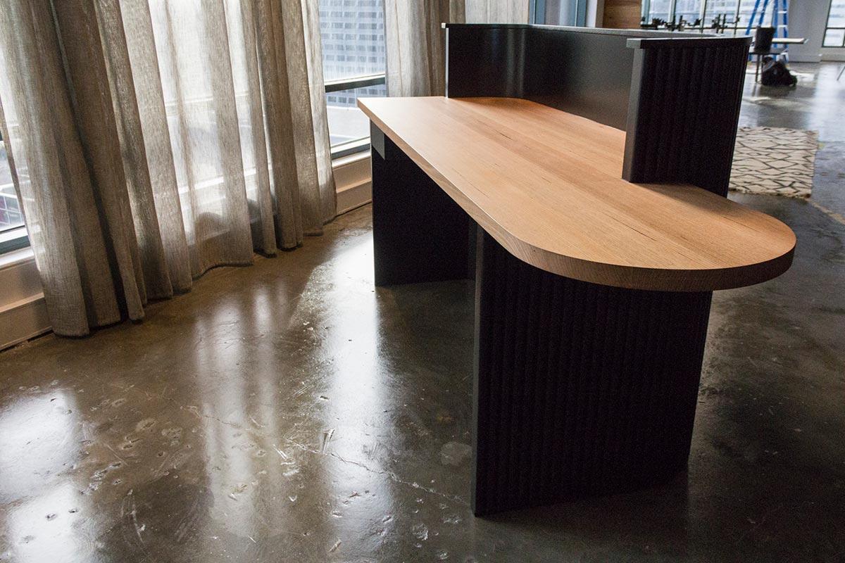 Kithe-Commercial-Desk