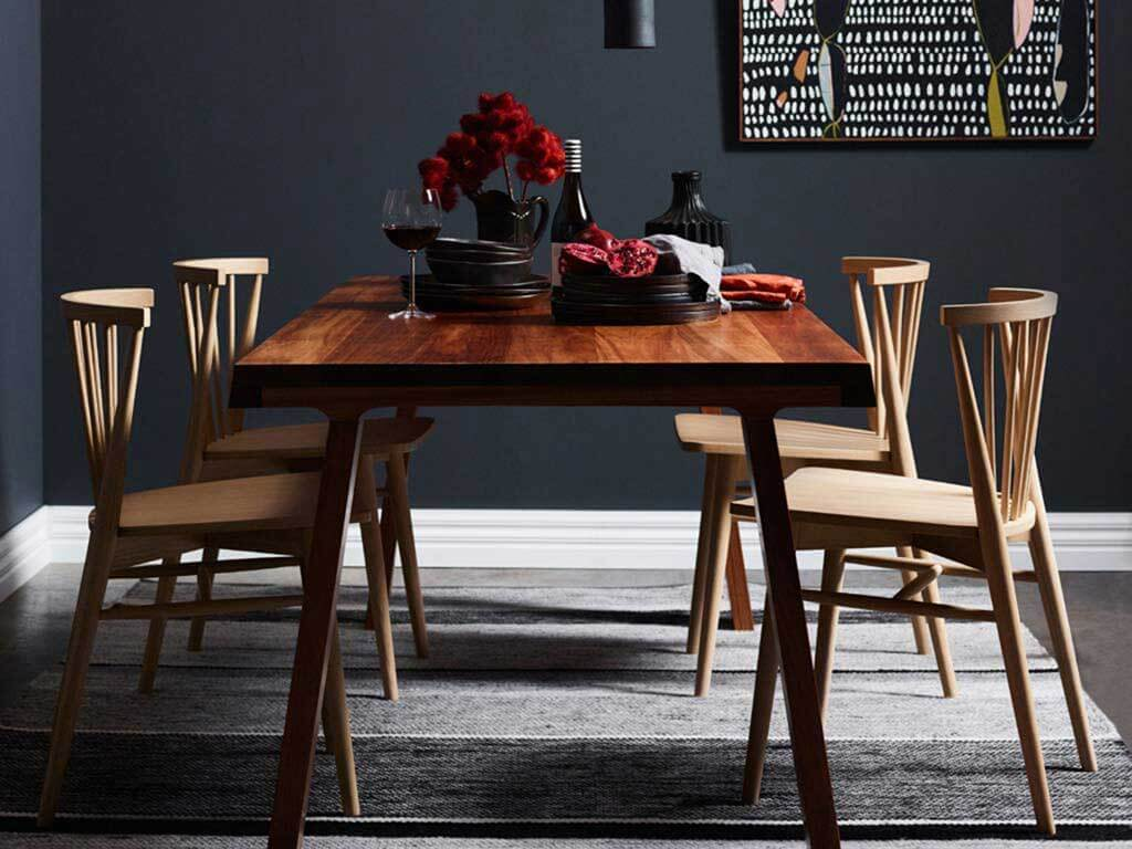 Kithe-Winter-dining-table-1