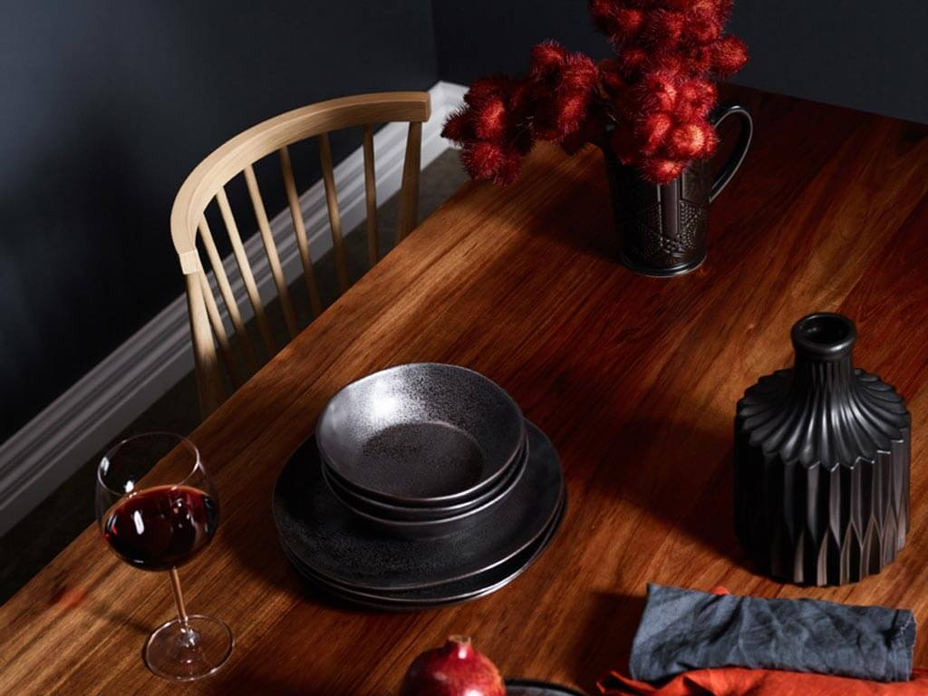 Kithe-Winter-dining-table-8-seater